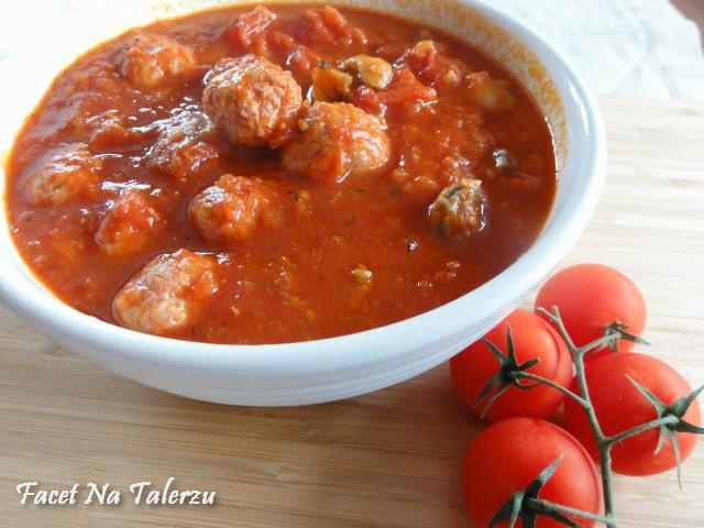 Klopsiki z indyka w sosie pomidorowym wg Nigelli