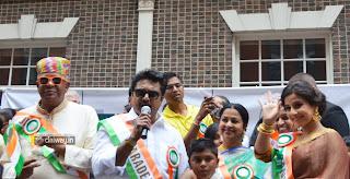 Sarathkumar-Radhika-at-India-Day-Parade-in-US