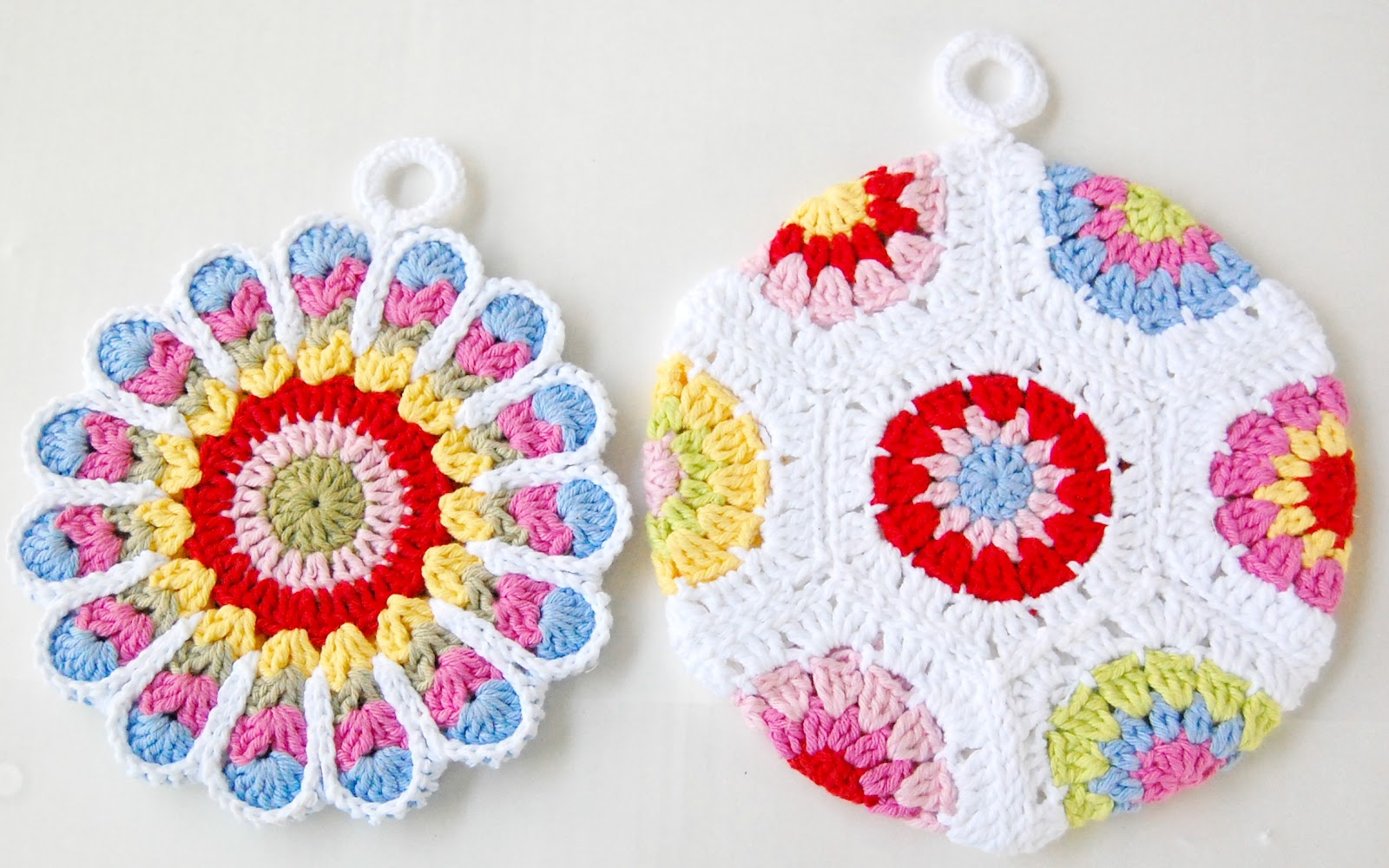 hopscotch lane: Two Potholders