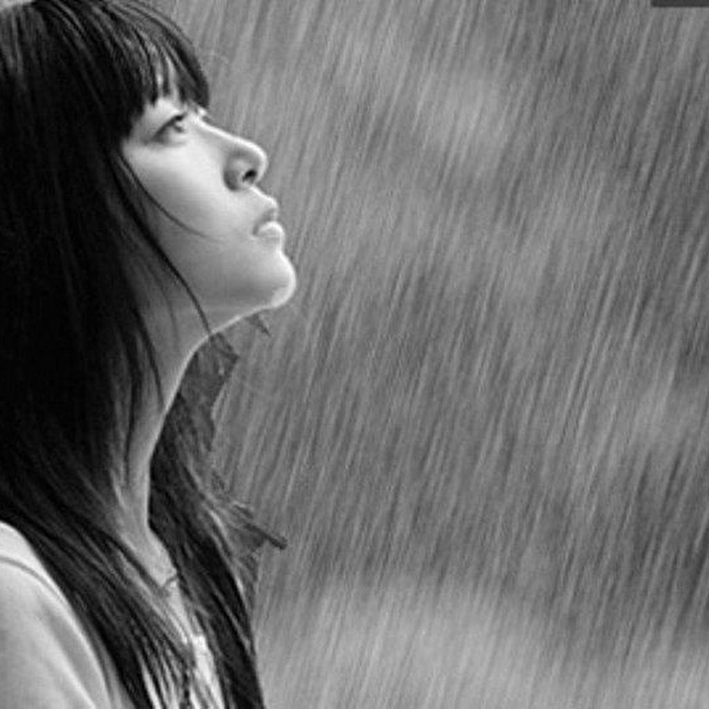 Sad Anime Girl Crying In The Rain Alone - HD Wallpaper Gallery