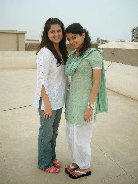 Pakistani And Indian Desi Girls With Friends Photos
