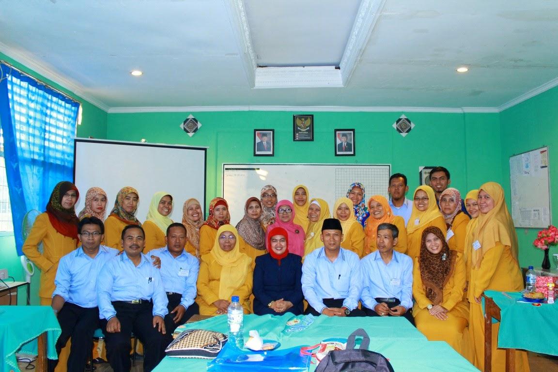 guru MTsN 33 Jakarta