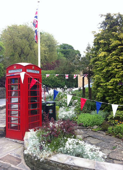 Wiswelll Traditional Telephone Box