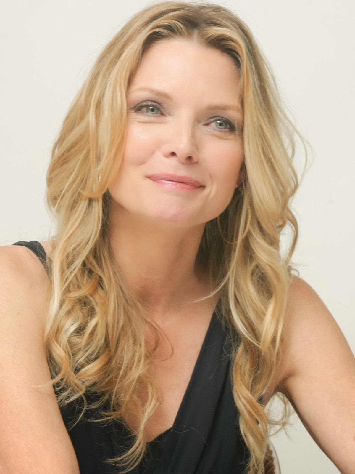 Michelle Pfeiffer Cute Pictures