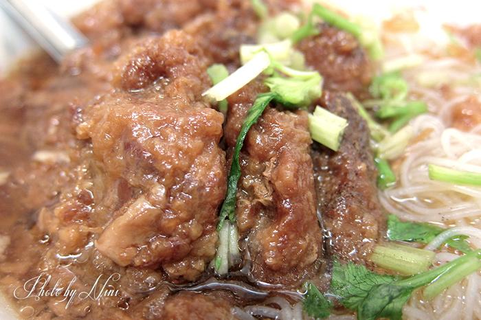 【台中豐原】廟東清水排骨酥麵。最具指標性的豐原美食