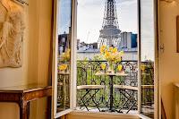 Camera cu vedere in Paris