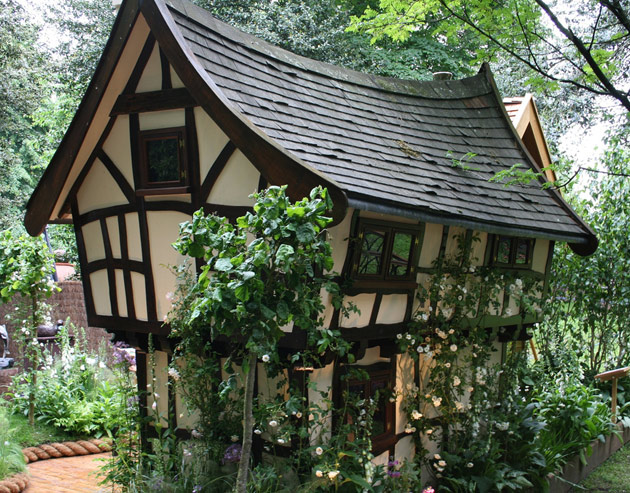 10 Awesome Fairy Tales House Designs