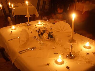 Claudia rafaella qu necesitas para organizar una cena for Cena romantica que cocinar