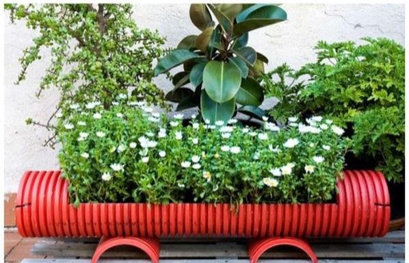 initiales gg diy une jardini re dans un tuyau de drainage. Black Bedroom Furniture Sets. Home Design Ideas