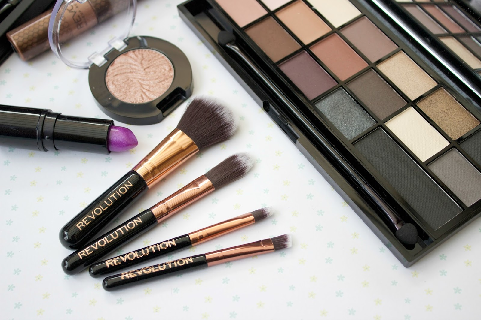 Makeup Revolution Pro Go Brush Set