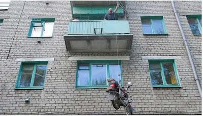 Πώς να παρκάρεις την μοτοσυκλέτα σου στο μπαλκόνι του σπιτιού σου!!