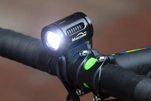 http://www.bikelightsuk.com/front_bike_lights/magicshine_mj858_1000_lumens_bike_light_2015_model_P619.html