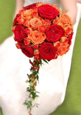 BOUQUET DE NOVIAS EN COLOR TONOS ROJOS