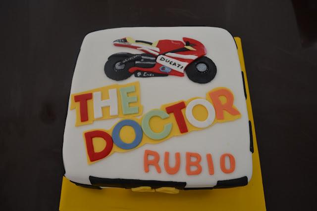 Tarta Moto Ducati Valentino Rossi 46 fondant The Doctor