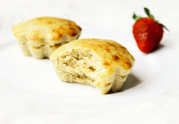 Easy & Clean Vanilla Protein Cakes