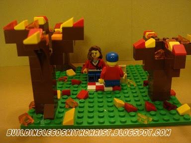 LEGO COOL CREATIONS - LEGO FALL PICNIC