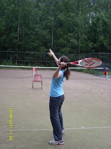 Tennisopetusta junnuille ja senioreille 044-3380291