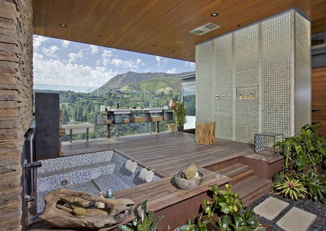 pemandangan cantin dari rumah justin bieber