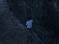 Tidur Sambil Berjalan, Pria Jatuh dari Tebing 18 Meter