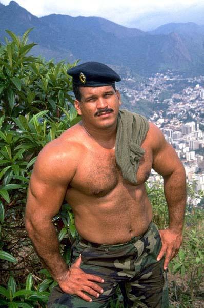Big Hot Soldier shows his Muscles | Gay Uniform Porn