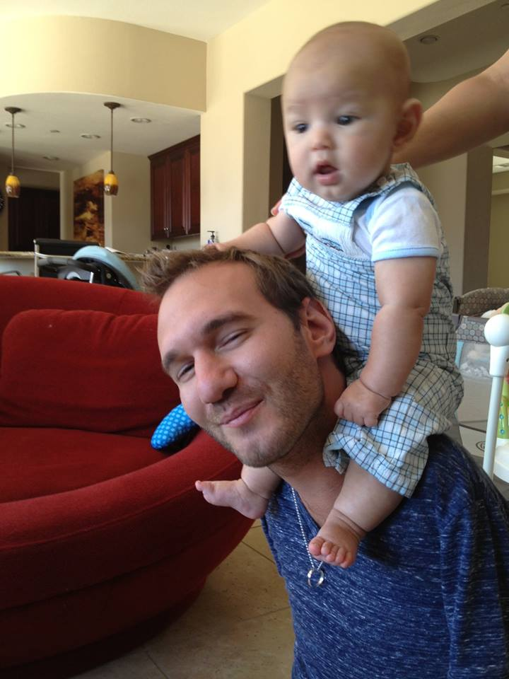 Unconditional Love Limbless Nick Vujicic And His Wife