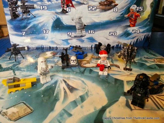 The LEGO Star Wars Advent Calendar December 11 scenery and figures