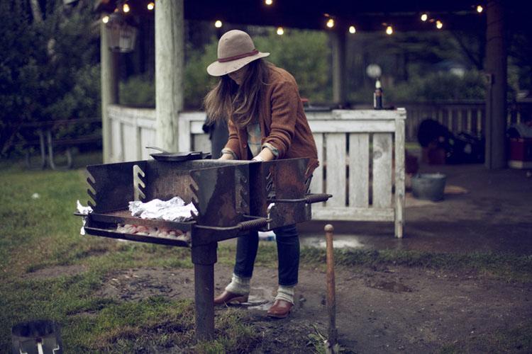 un dia de campo con los amigos-con la barbacoa