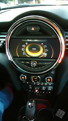 4DR MINI interior