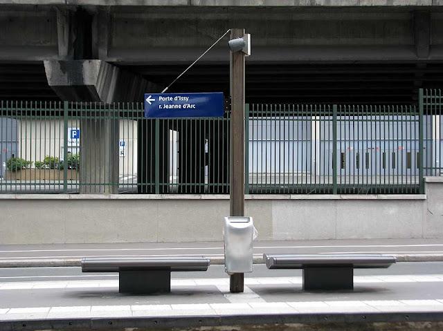 Bench, Porte d'Issy, Île-de-France tramway Line 2, Paris