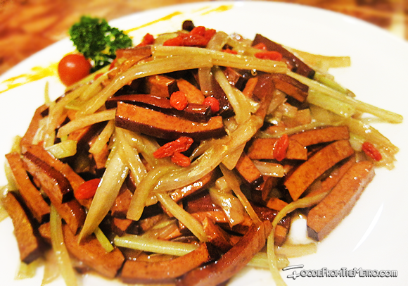 Foodie from the Metro - Mabuhay Palace Vegetarian Menu Celery Black Bean Curd Chinese Wolfberry