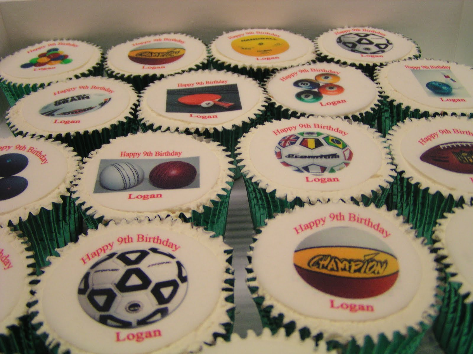 Cake Decorating Classes Logan : CAKE IT SWEET: Sports Party Cakes and Sydney FC cake