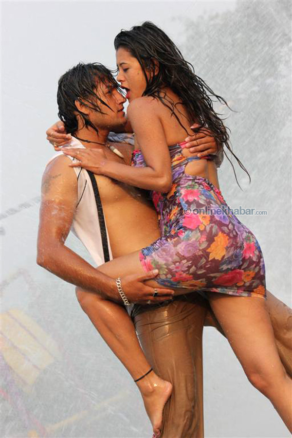 mzansi showing hairy pussy