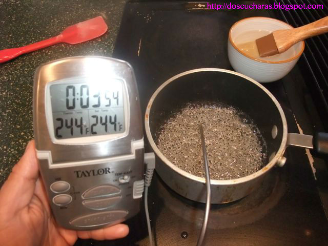 Boiling sugar syrup to 244ºF for Italian meringue