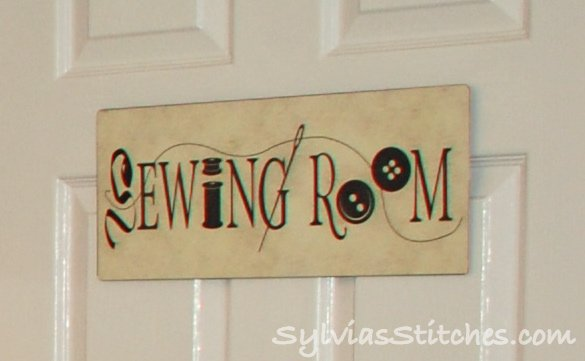 sewing room 2 redone sylvia 39 s stitches. Black Bedroom Furniture Sets. Home Design Ideas