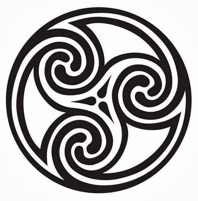 Celtic triple spiral circle tattoo stencil