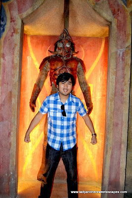 Ed at the Abyss Room of the Lost Chambers