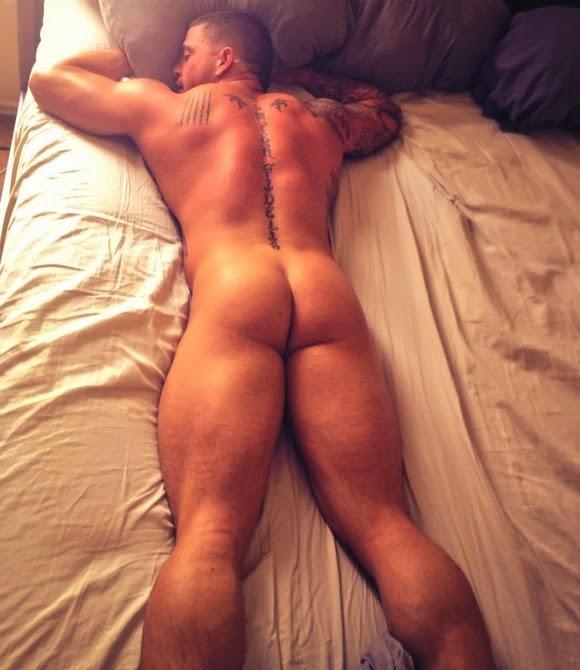 Фото голых спящих мужиков