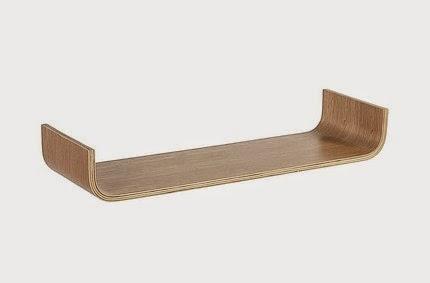 mała półka drewniana