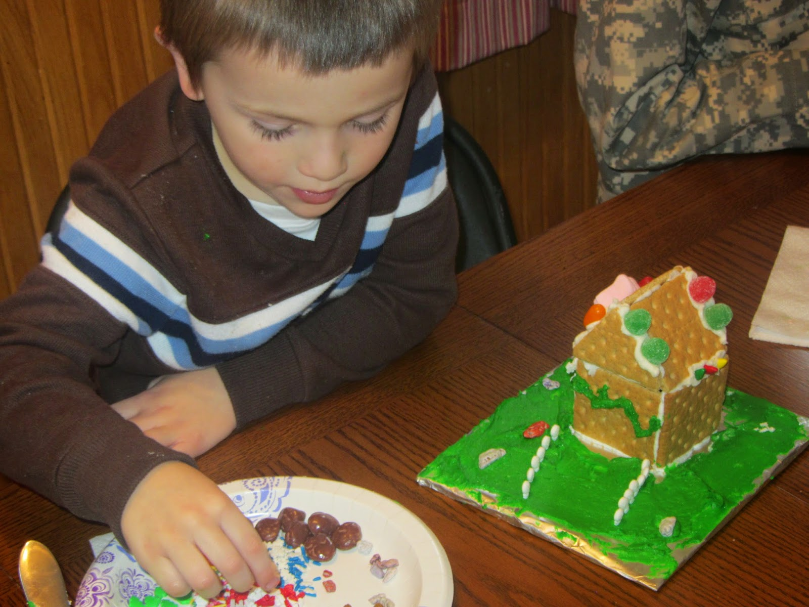 DIY Gingerbread House Party for Kids {The Unlikely Homeschool}