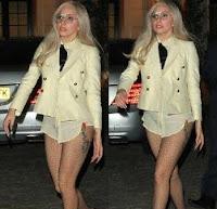 foto konser lady gaga tanpa celana dalam