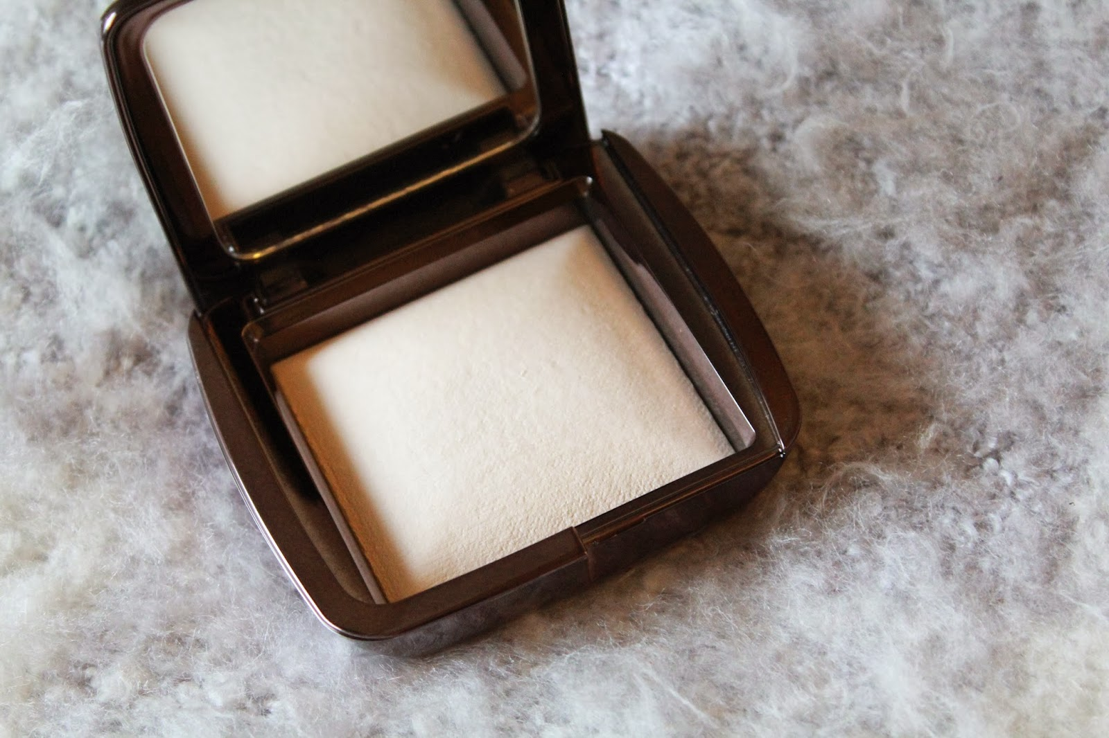 Hourglass Ambient Light In Ethereal