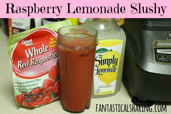 Raspberry Lemonade Slushy | The perfect refreshing #beverage for the last few hot days of summer | www.fantasticalsharing.com