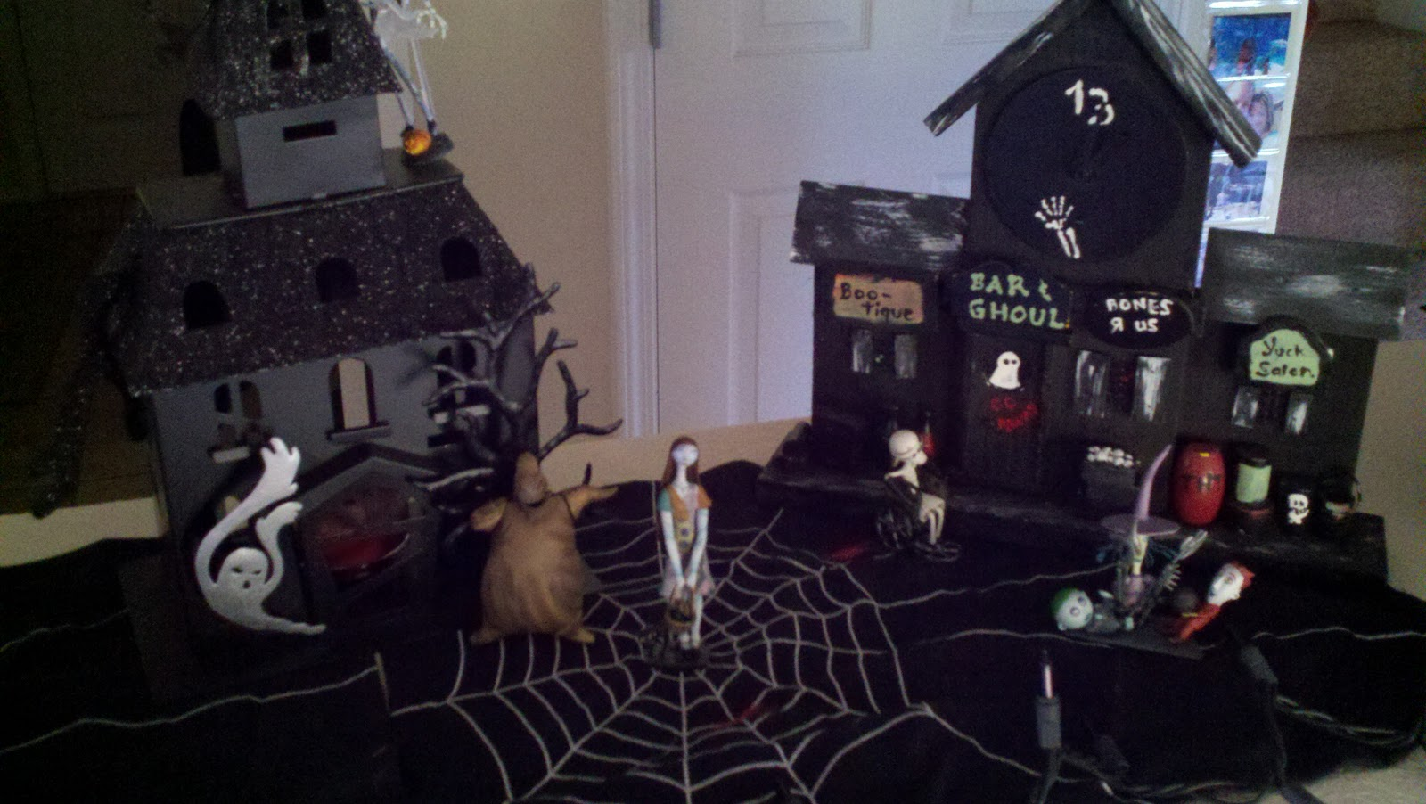 Displaying 18 gt images for nightmare before christmas decorations