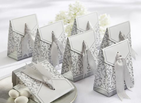 Door gifts are important as itu0027s a part as the remembrance of your wedding ceremony. Be as creative as possible! & La Casamiento: Wedding Door Gift