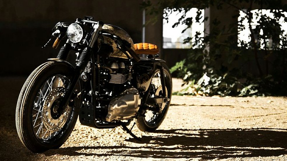 "Triumph Thruxton Motorcycle: ""Queen Elizabeth Coronation"".  A 2012 Triumph Thruxton [Triumph Thruxton Queen Elizabeth Coronation Images below] was transformed to commemorative piece for her majesty,"