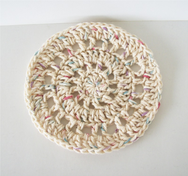 Free Knitted Round Dishcloth Patterns : One Stitch Designs: Free Crochet Round Dishcloth Pattern