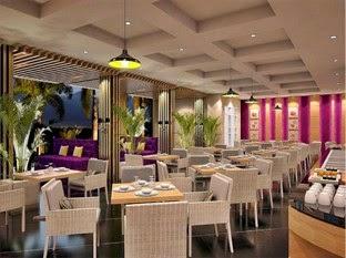 Makan di Restoran Hotel Salis Setiabudi Bandung