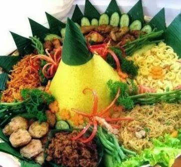 Resep Dan Cara Membuat Nasi Tumpeng Kuning Komplit
