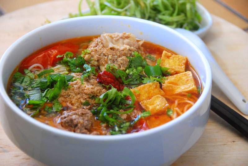 Paddy crab paste vermicelli soup - Bún riêu cua