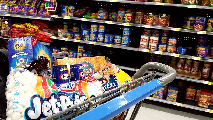Make sure your shopping cart is #PackedWithSavings from printable Kraft Coupons and Walmart rollbacks! #Shop